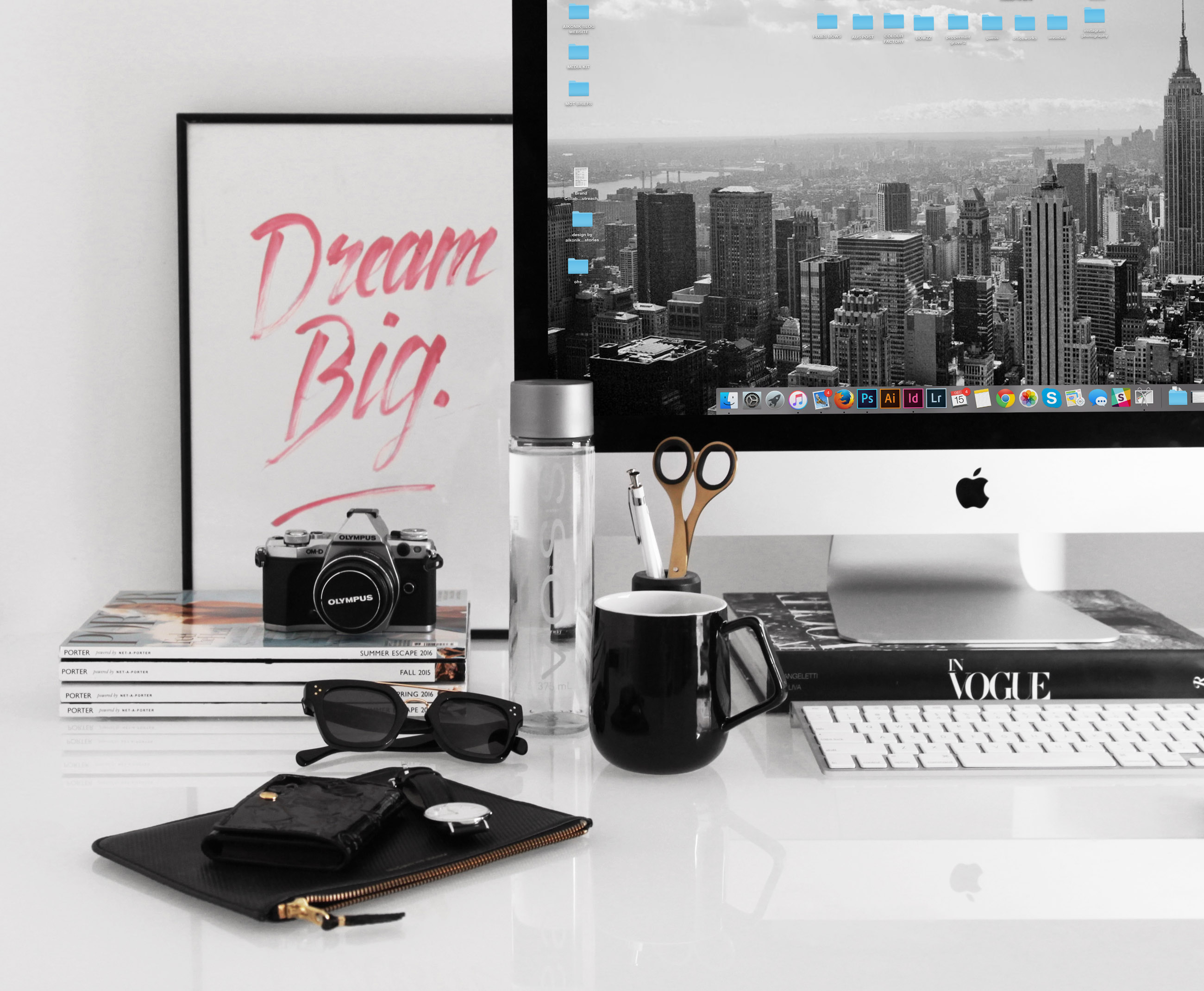 organise your workspace - design by aikonik 1