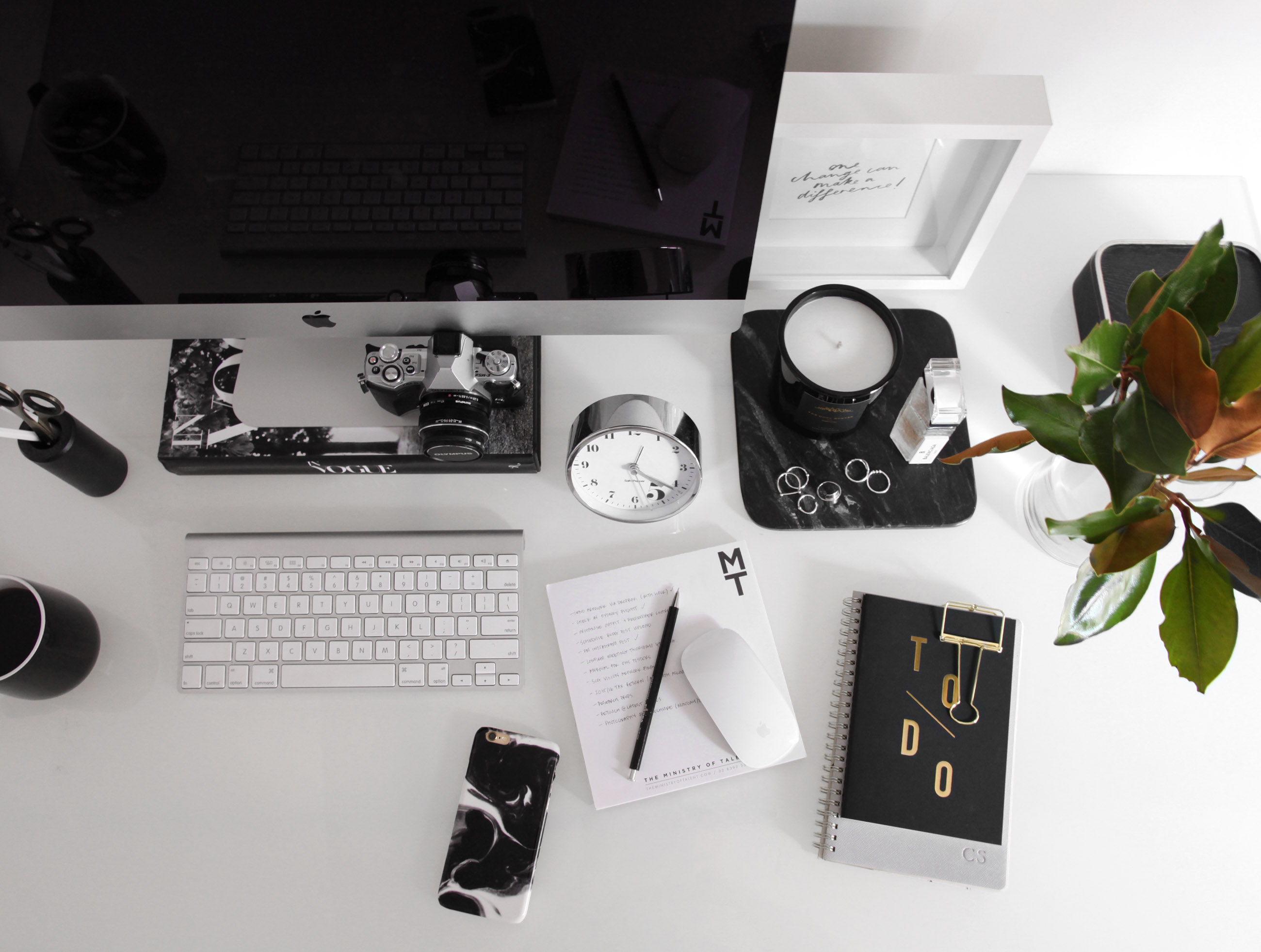 organise your workspace - design by aikonik 4