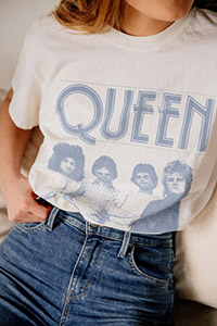 queen tee urban outfitters